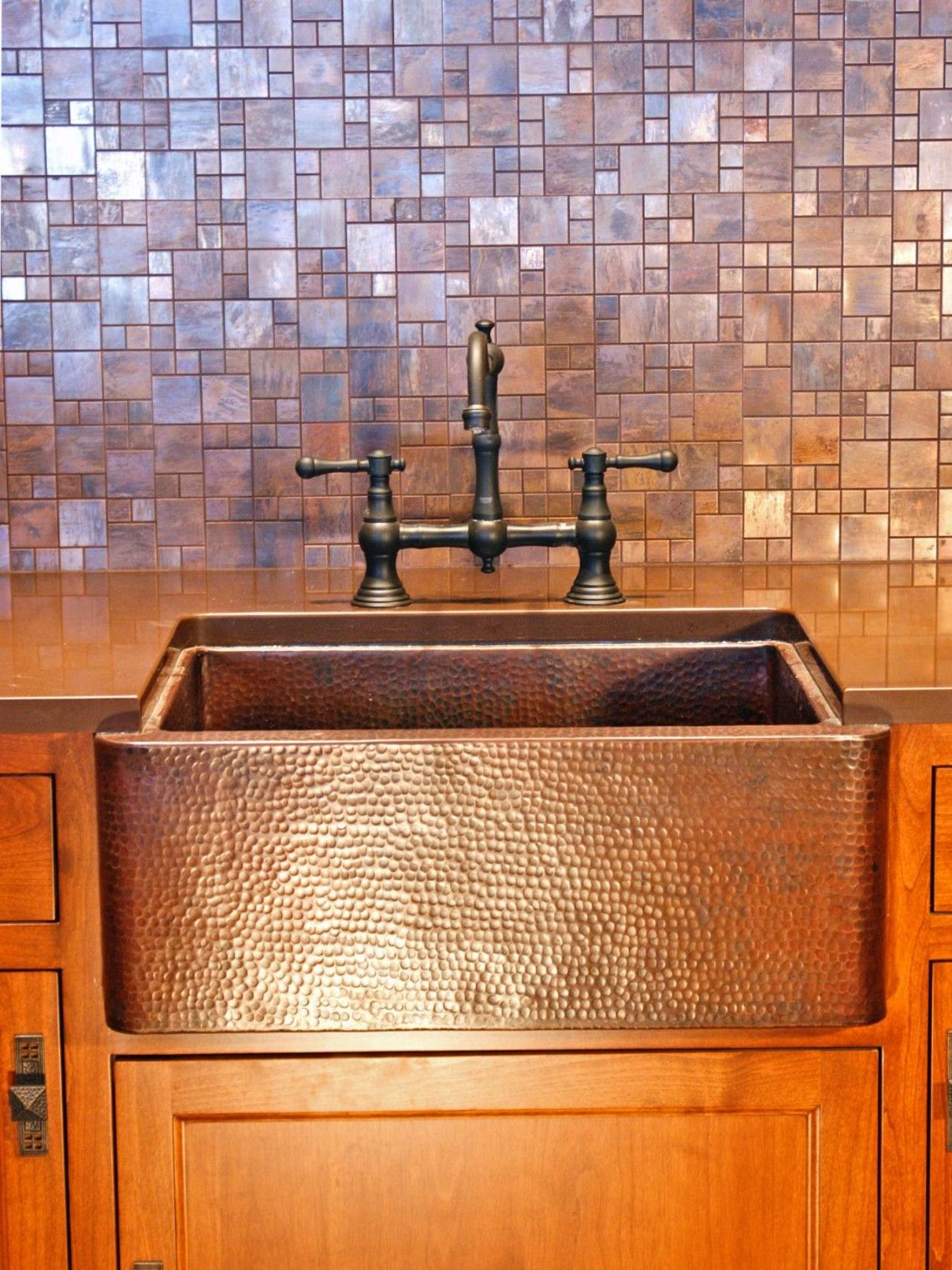 Copper Laminate Countertops Decor And Tips Copper Farmhouse Sink And Bridge Faucet With