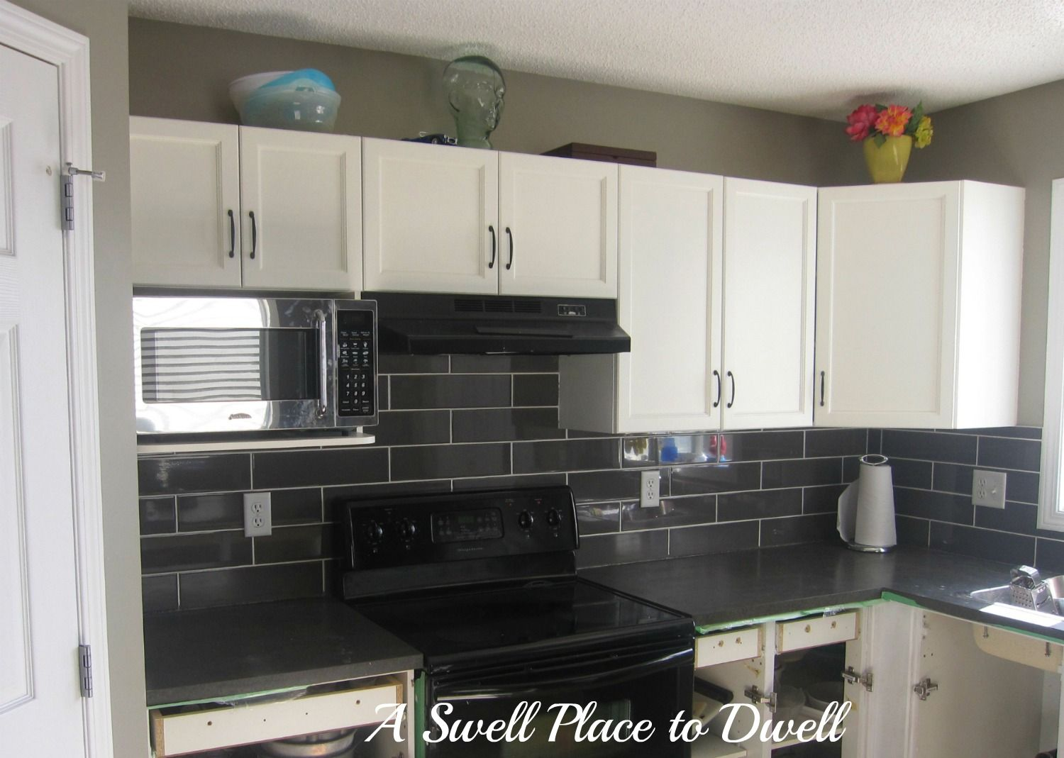 Dark Gray Backsplash Gray And White Kitchens Kitchen Surprising Kitchen