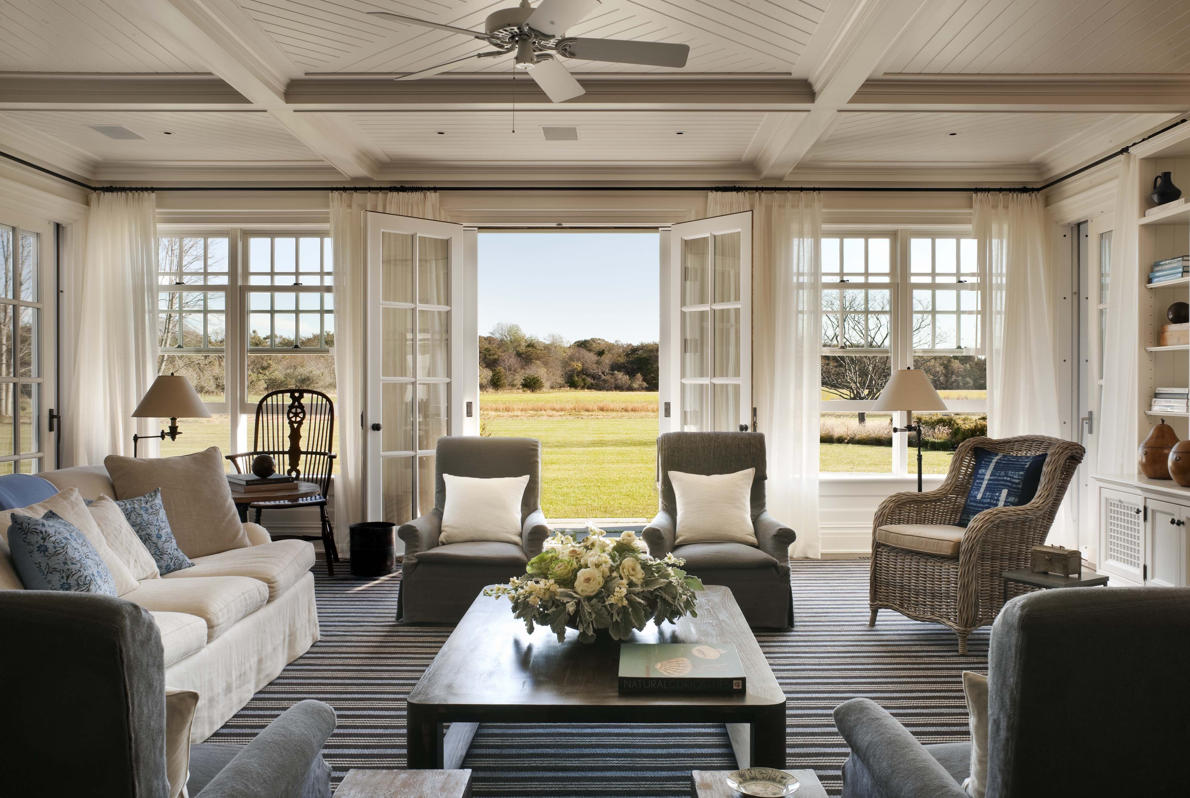 Hampton Style Living Room Family Room A Summer Cottage In The Hamptons John B