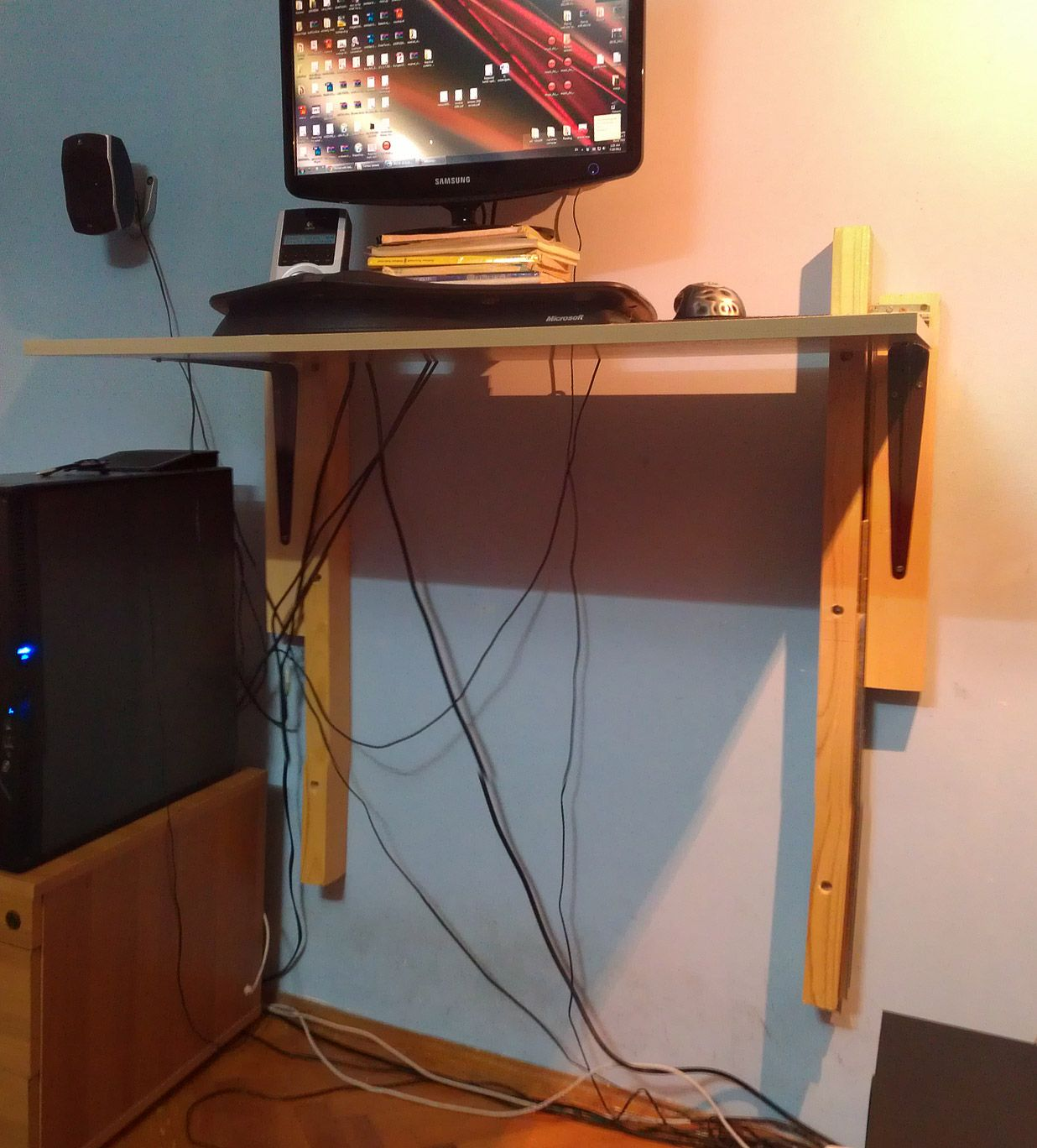Diy Desktop Standing Desk Cheap Diy Standing Desk Http Bgrz Tumblr Post