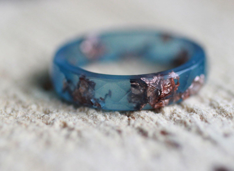 labradorite wedding ring Labradorite Resin Ring Resin faceted stacking ring Copper flakes ring Wedding ring Bohemian ring