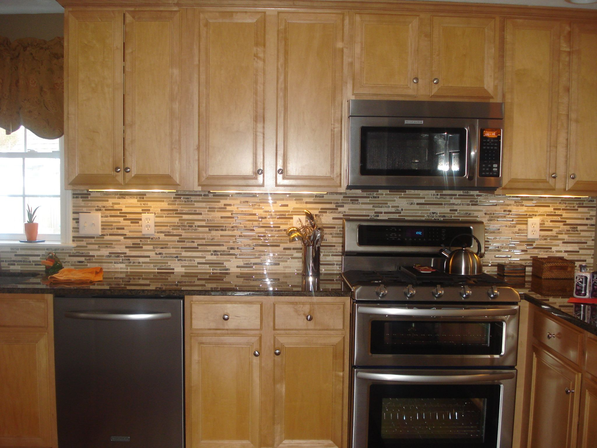 Update Kitchen Maple Cabinets Pinterest Discover And Save Creative Ideas