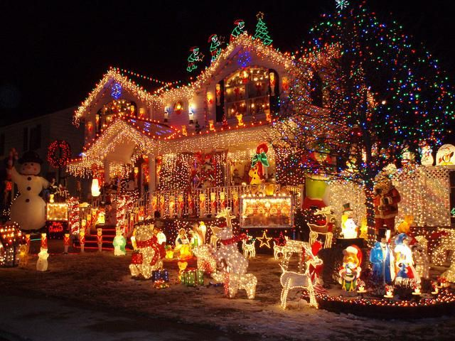Mind blowing Christmas Lights Ideas for Outdoor Christmas - christmas decorations outdoors