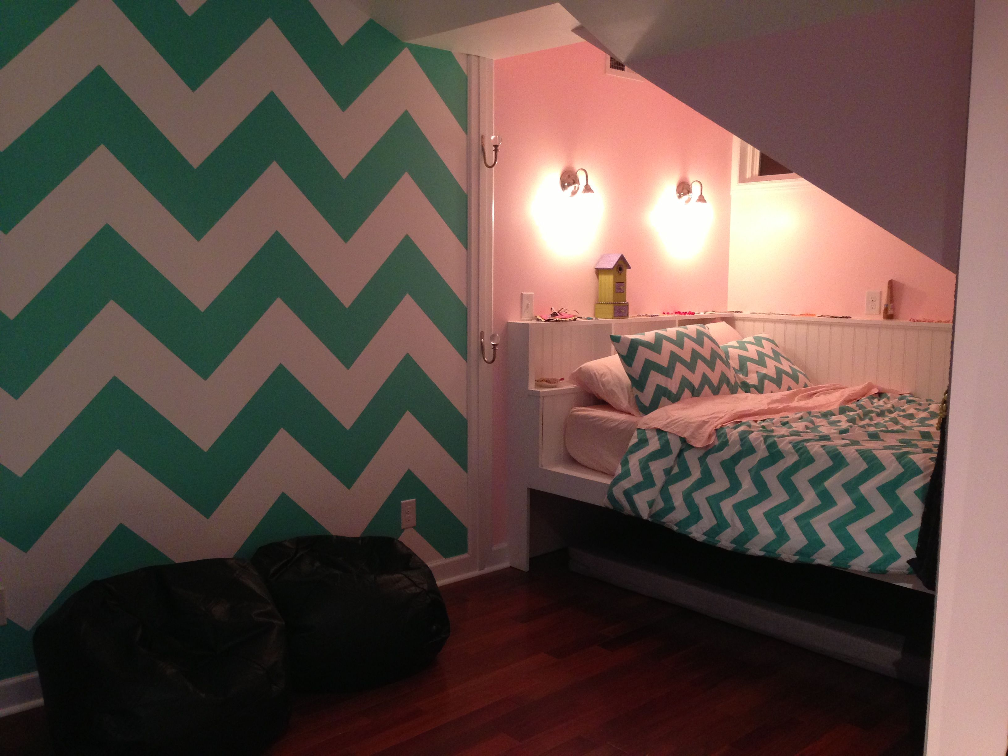 Teenagers Room Paint Ideas Chevron Painted Wall In Teen Room Girl Room Ideas