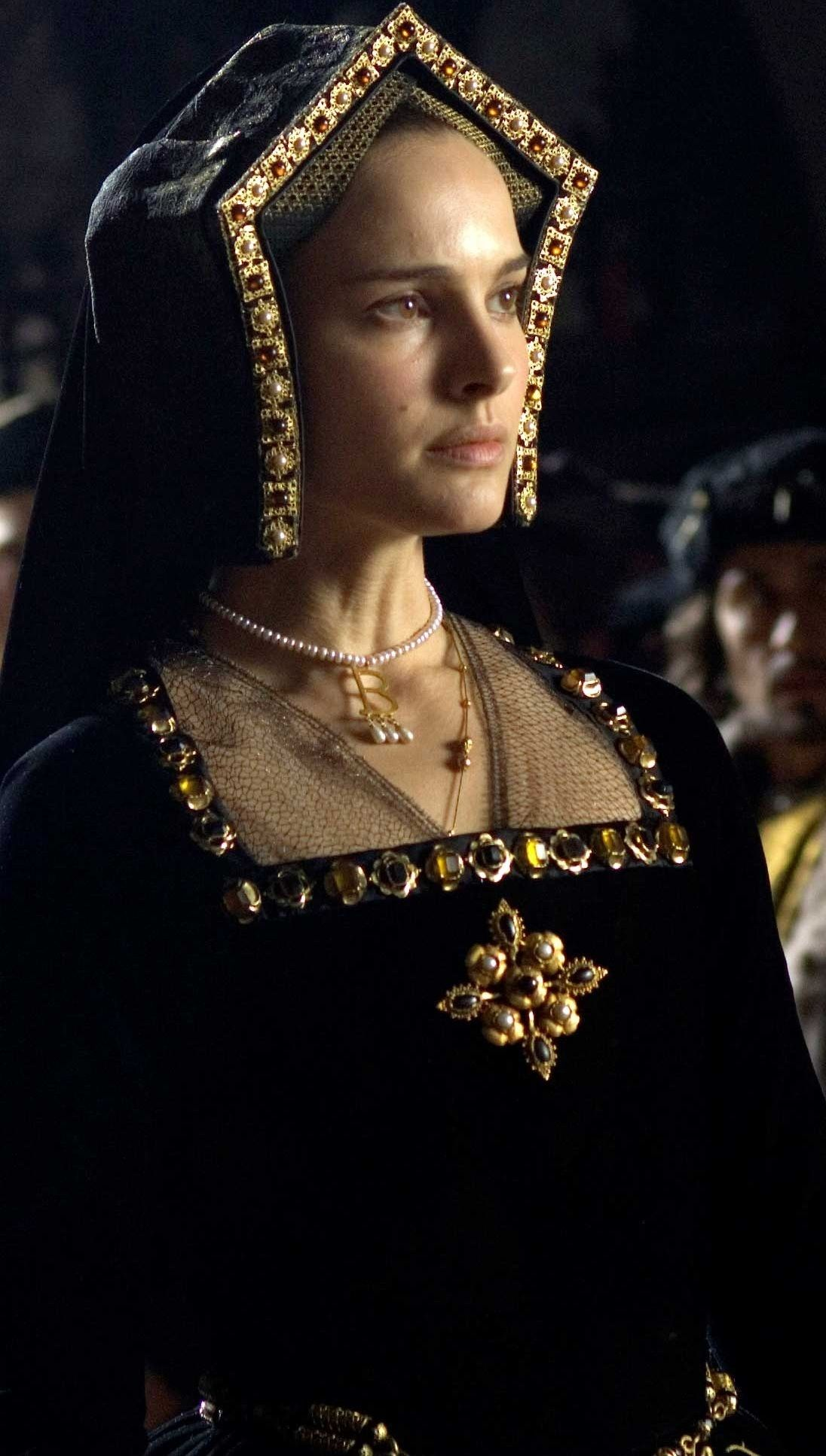 The Other Boleyn Girl Hd Wallpaper Historical Records Say Anne Boleyn Prefered French Hood