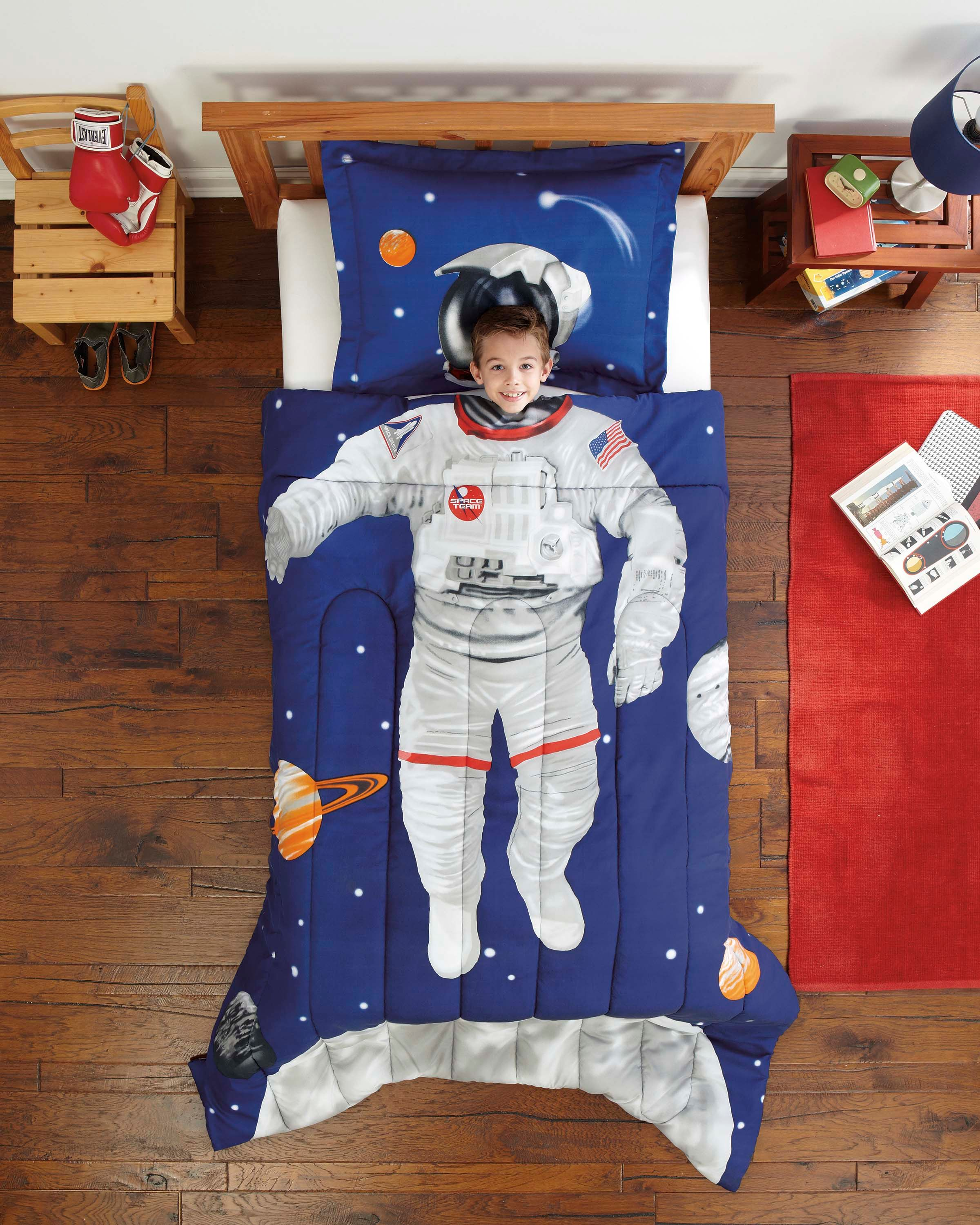Little Boy Twin Bed An Idea For Lainey Really Astronaut Outer Space Bedding