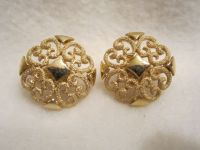 Vintage Avon Earrings Beautiful Filigree Gold Tone Design