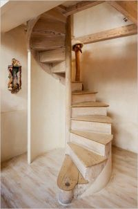 Magnificent DIY Wooden Spiral Staircase | Lofty Ideas ...