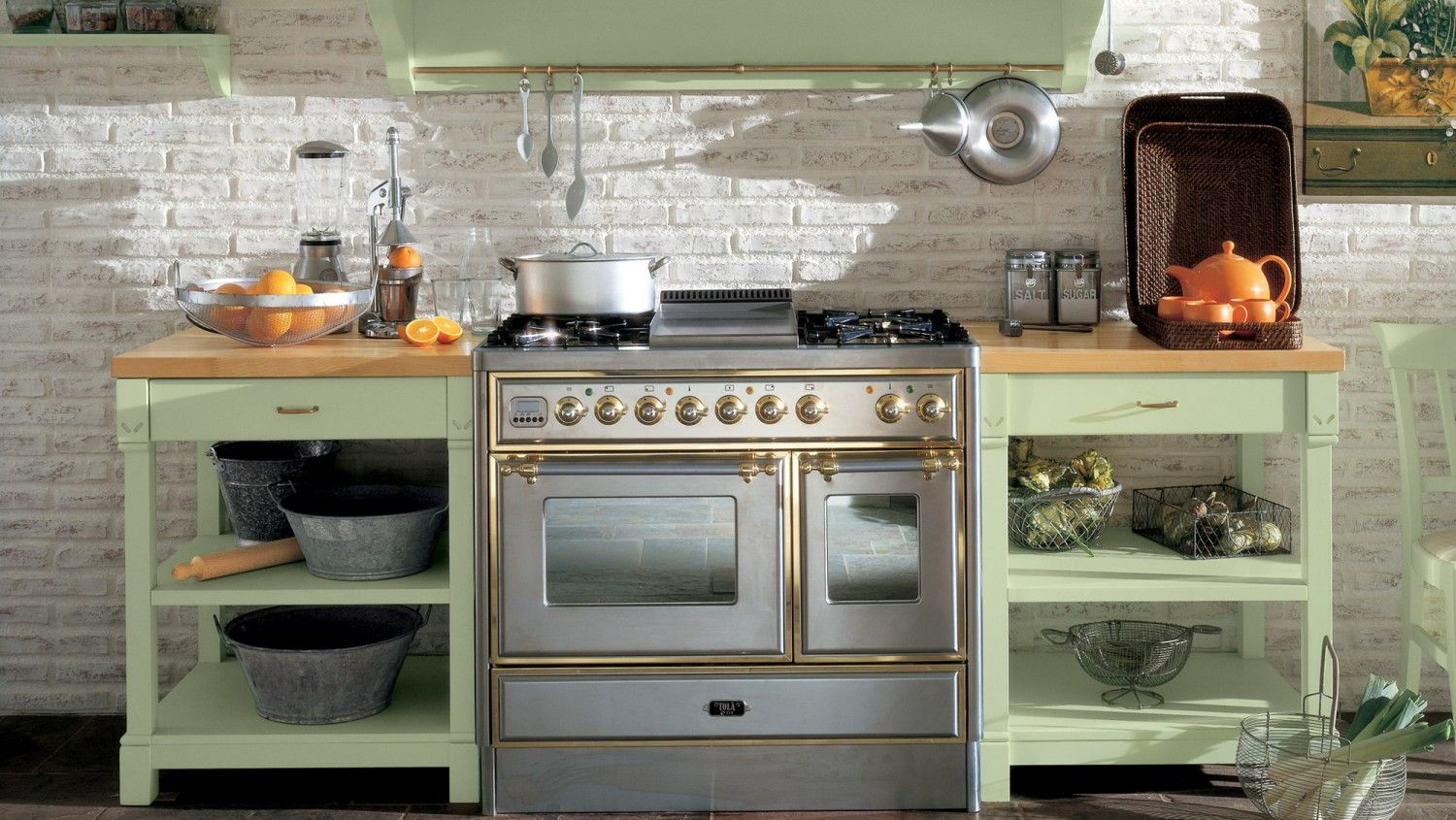In Cucina In English Cucina In Stile Country Chic Finitura Verde Lattementa