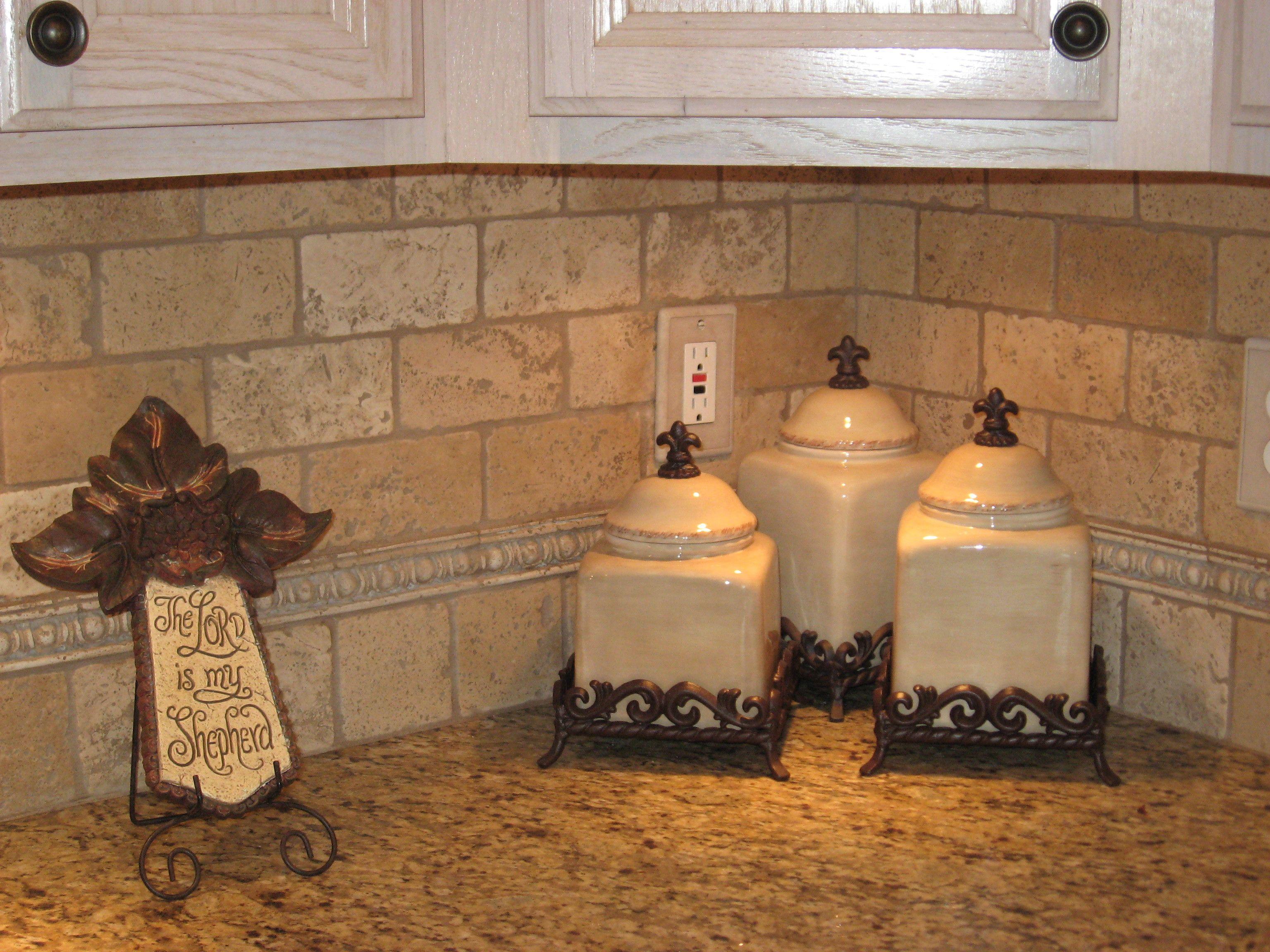 travertine tile stone backsplash kitchen Travertine Tile Backsplash Light Travertine Backsplash Turkish Light Travertine Dallas
