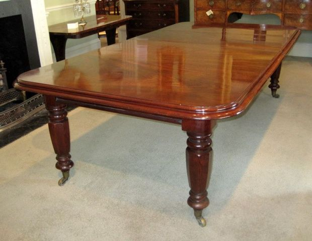 19th century mahogany extending antique dining table
