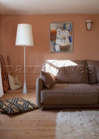 brown+and+peach+furniture Light brown sofa in peach living room - peach living room