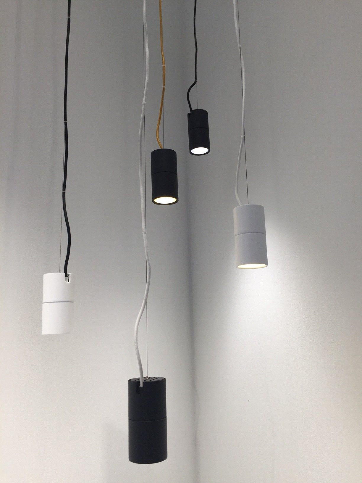 Innenbeleuchtung Design Village Molto Luce 2016 Dash Dc Pendant | Light & Building 2016