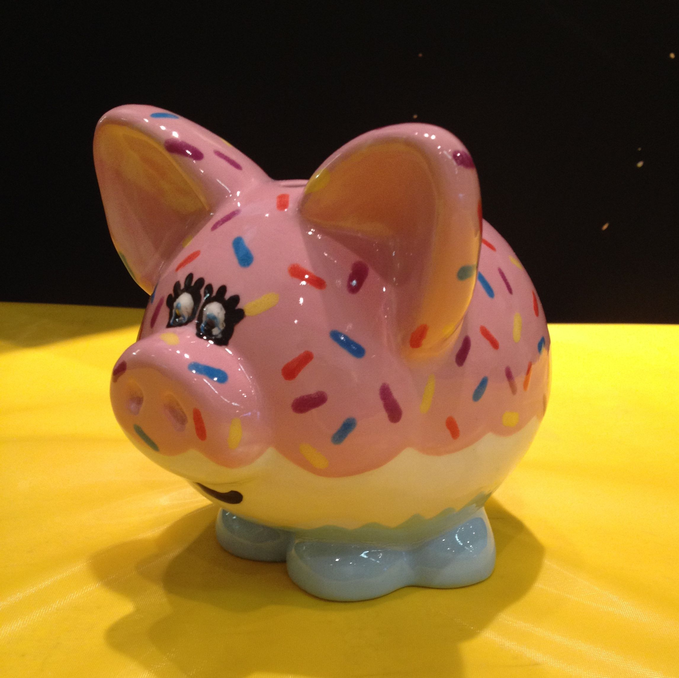 Piggy Bank Idea Cupcake Piggy Bank Oink Oink Themadpotter Piggy Bank