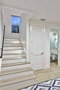 Sumptuous toilet riser in Staircase Farmhouse with Hall