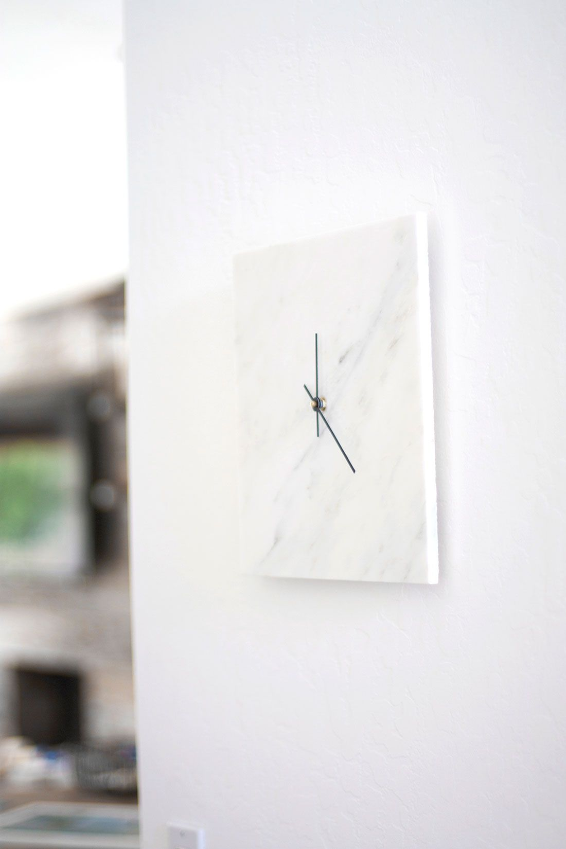 Inexpensive Wall Clock How To Diy A Chic Marble Wall Clock For Just 10 Marble