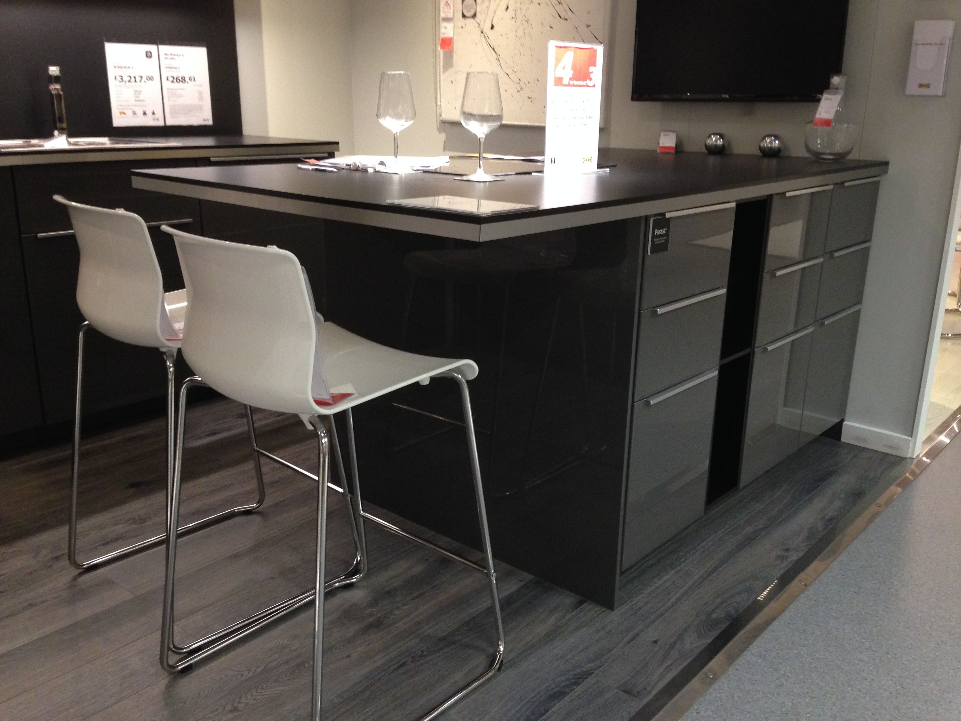 White Kitchen Breakfast Bar Ringhult Kitchen Ikea Grey Gloss With Breakfast Bar Had 39t