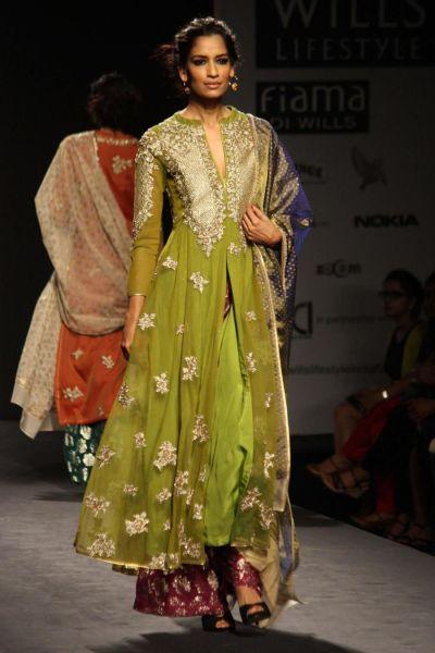 New Delhi: Wills Lifestyle India Fashion Week Autumn ...