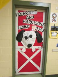 What a fun door for the farm OR dog theme classroom ...