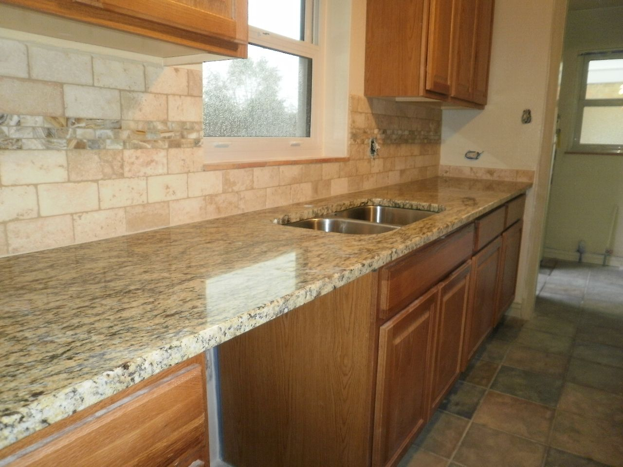Oak Cabinets With Granite Countertops Pictures What Type Of Backsplash To Use With St Cecilia Countertop