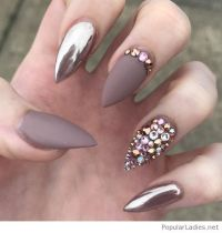 matte-and-metallic-gel-nail-art-with-awesome-details ...