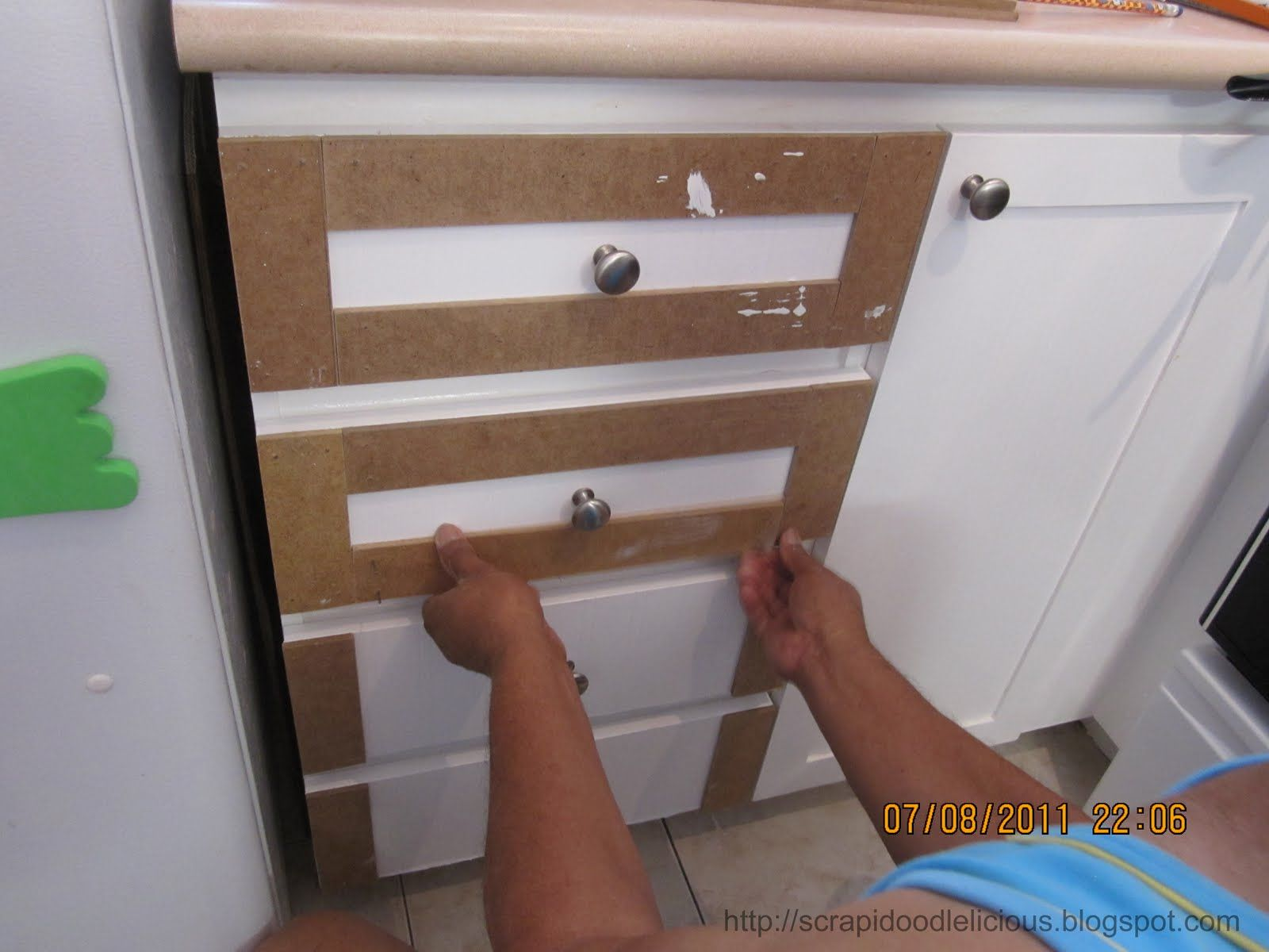 Diy Reface Kitchen Cabinets Scrapidoodlelicious Beadboard Wallpaper In Kitchen