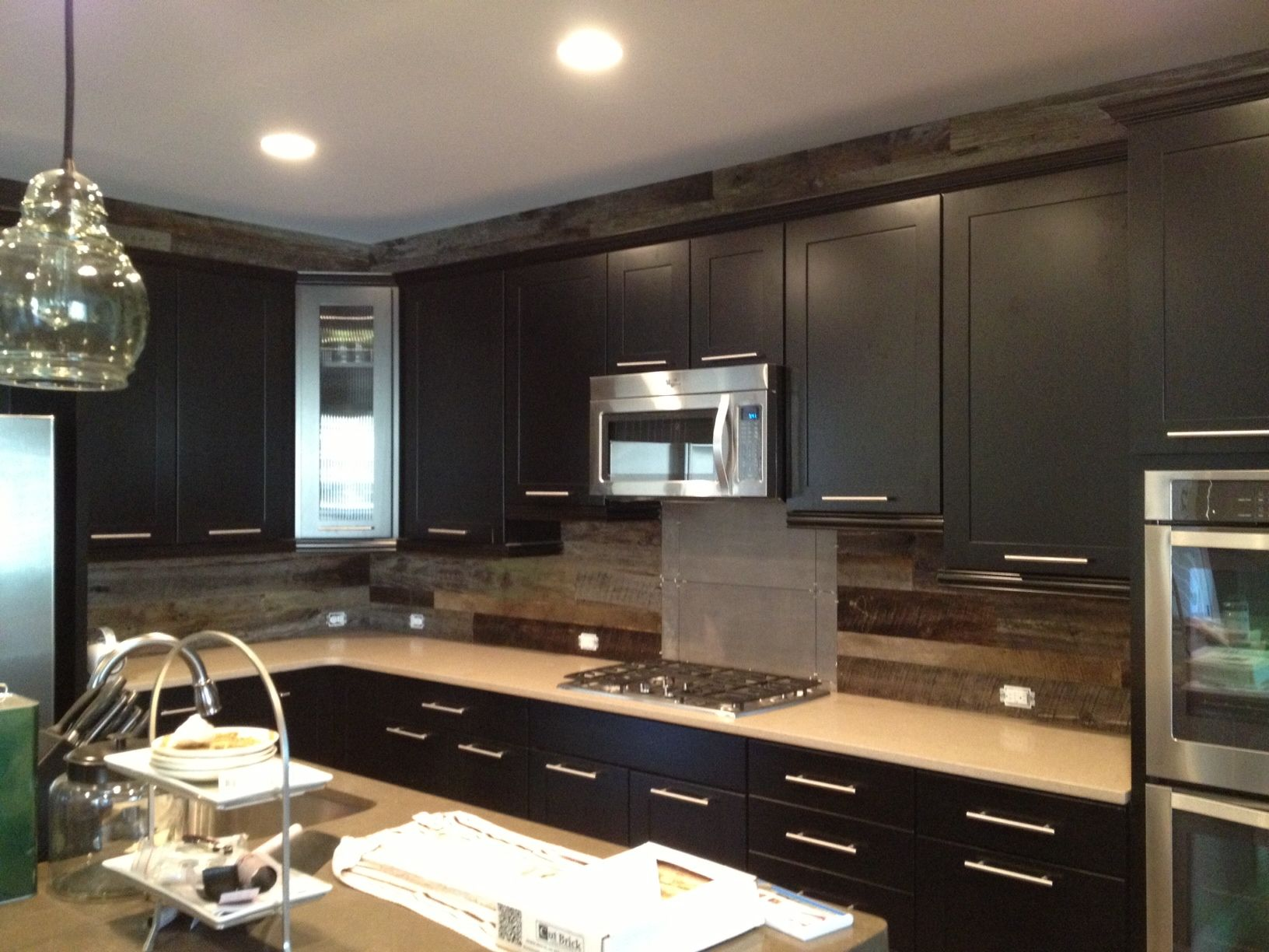Barn Board Kitchen Cabinets Barn Board Siding Is A Great Choice For The Backsplash And