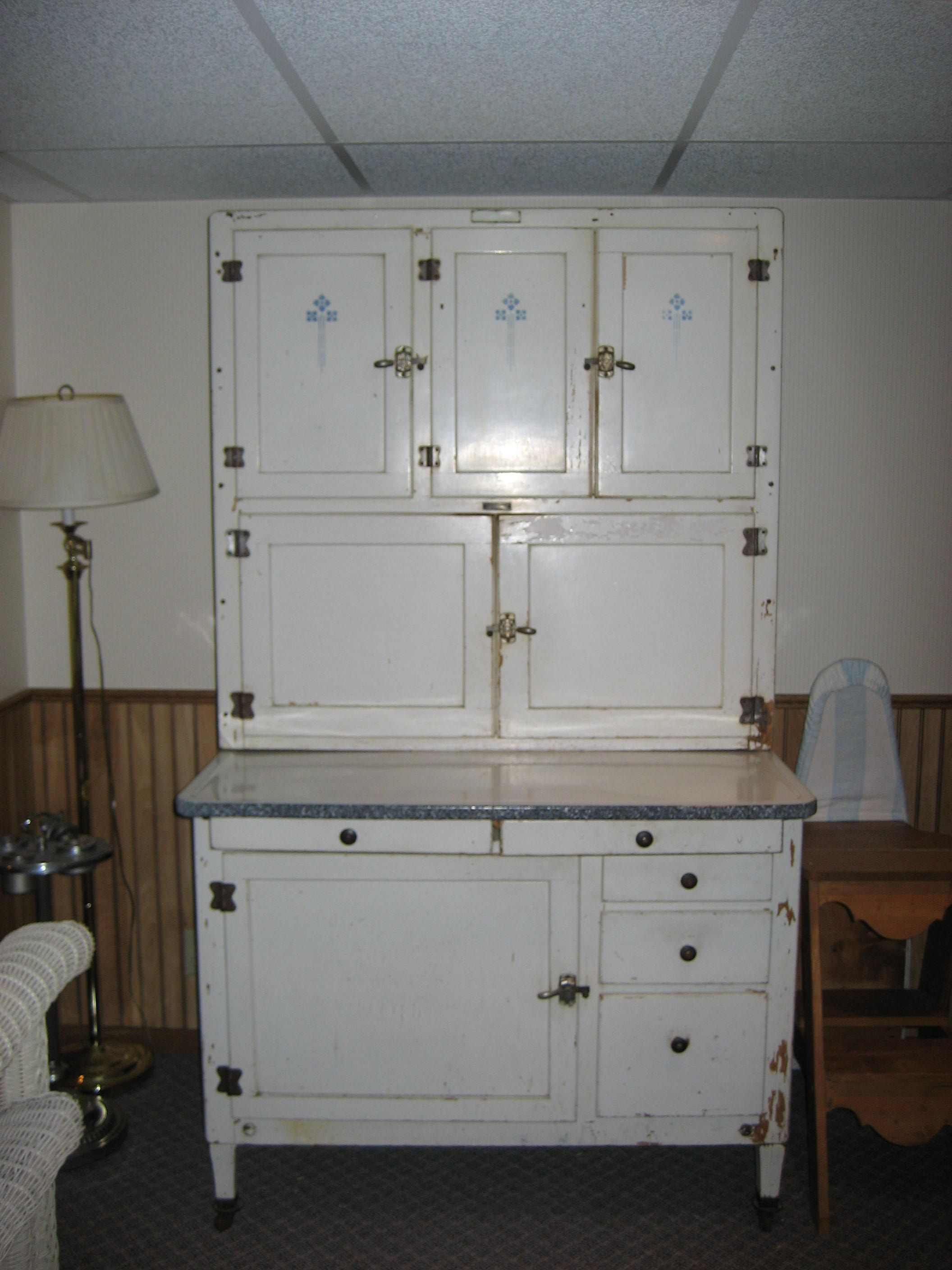 Hoosier Style Kitchen Cabinet How To Identify A Hoosier Cabinet Hoosier Cabinet