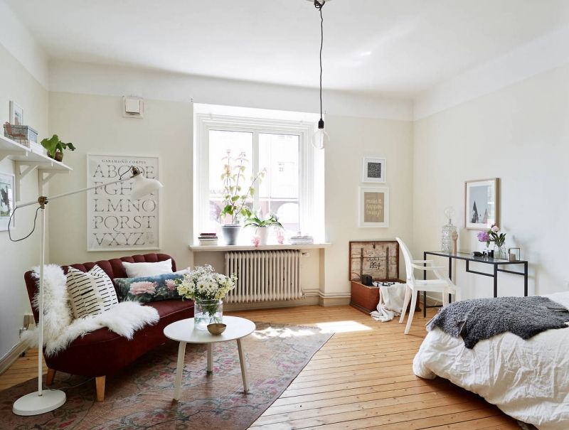 10 Sneaky Ways to Make a Small Space Look Bigger Small spaces - how to make a small living room look bigger
