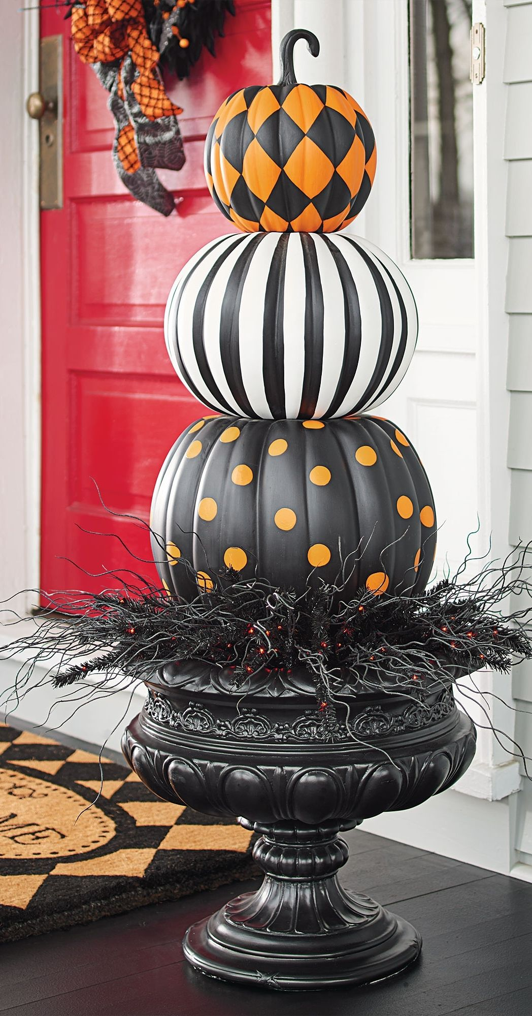 Decoration Extérieure Halloween Put A Designer Spin On Decorating With Gourds Our