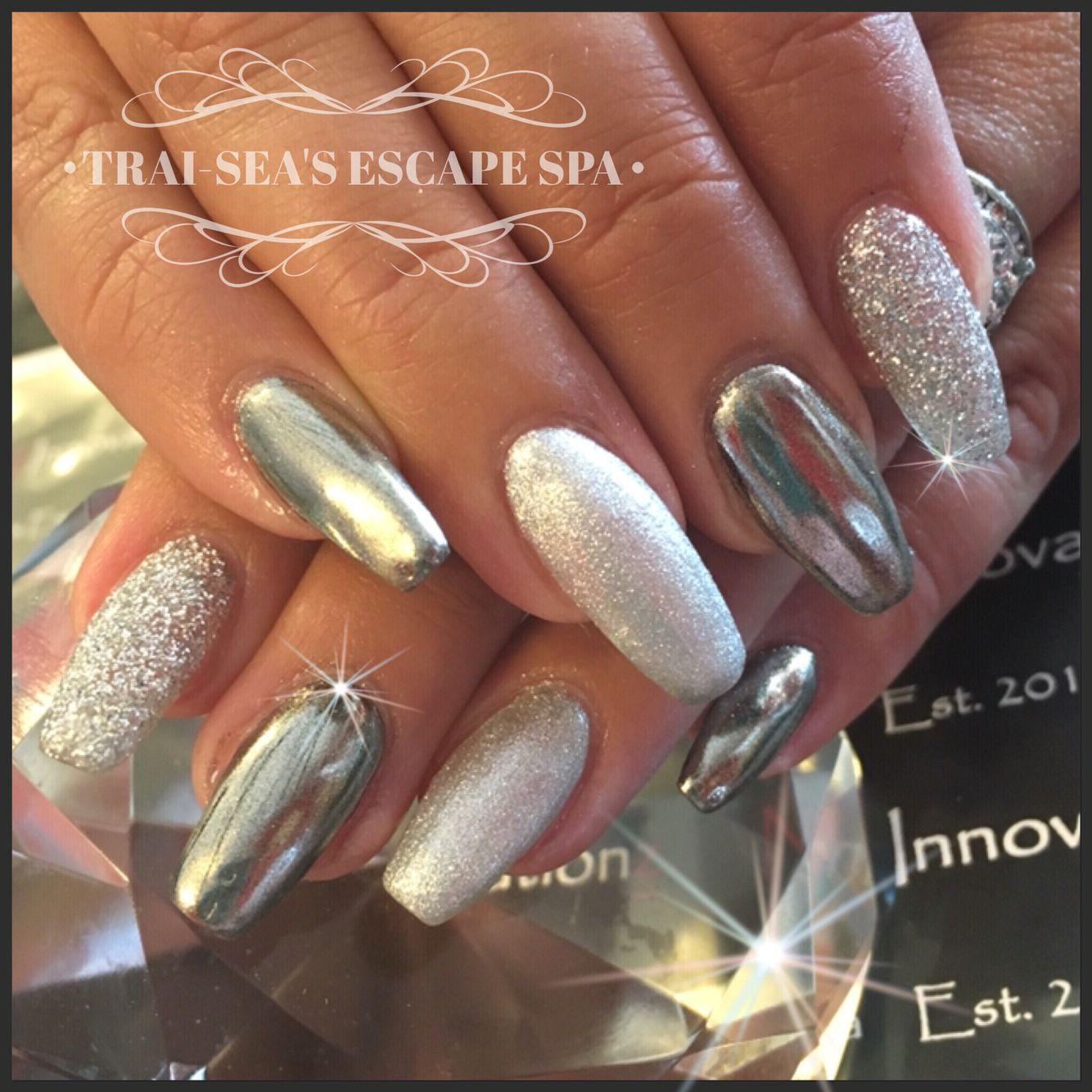 Chrome, glitter and metallic silver by Trai