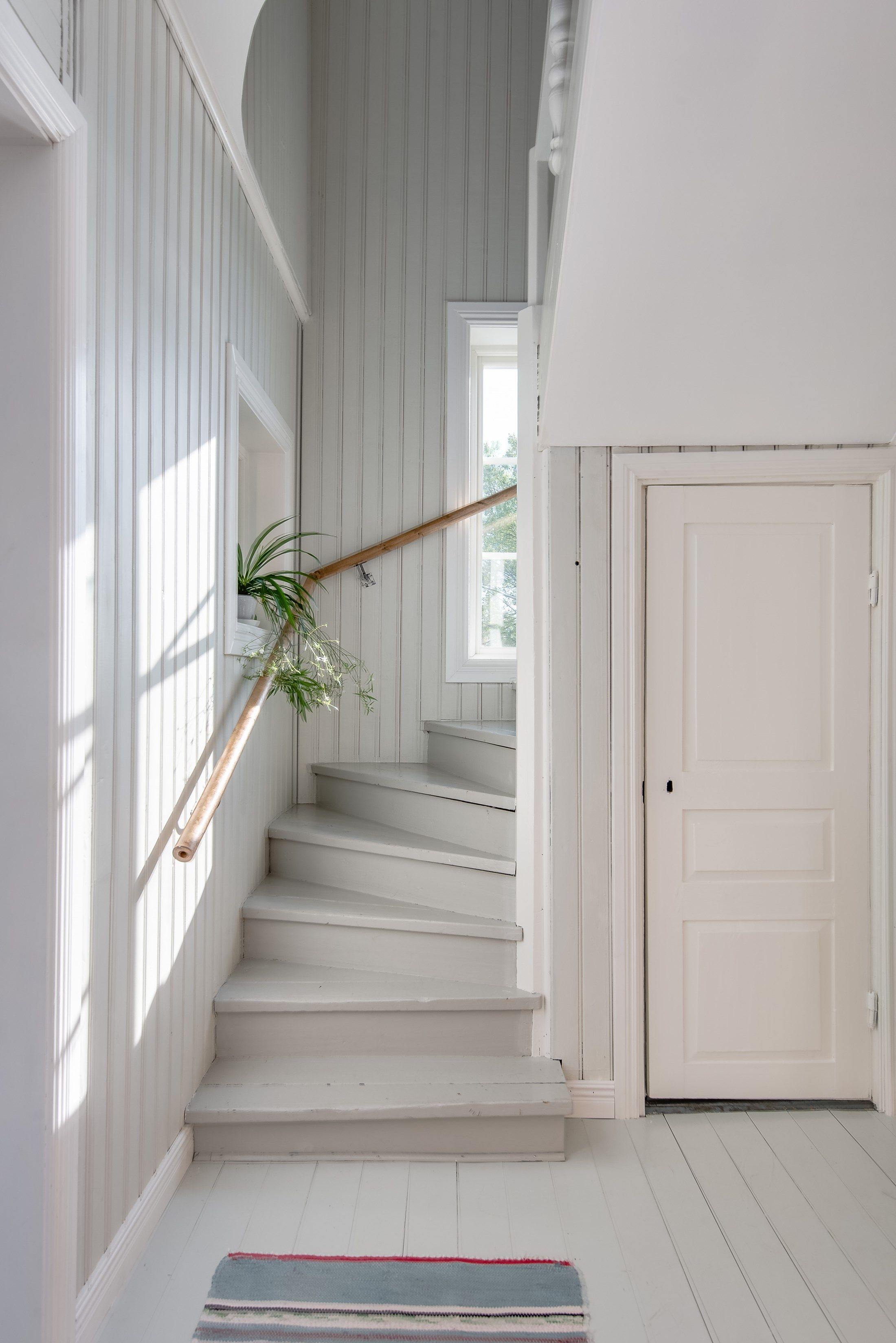 Paneled Staircase Cosy Painted And Paneled Staircase Cottage Classic
