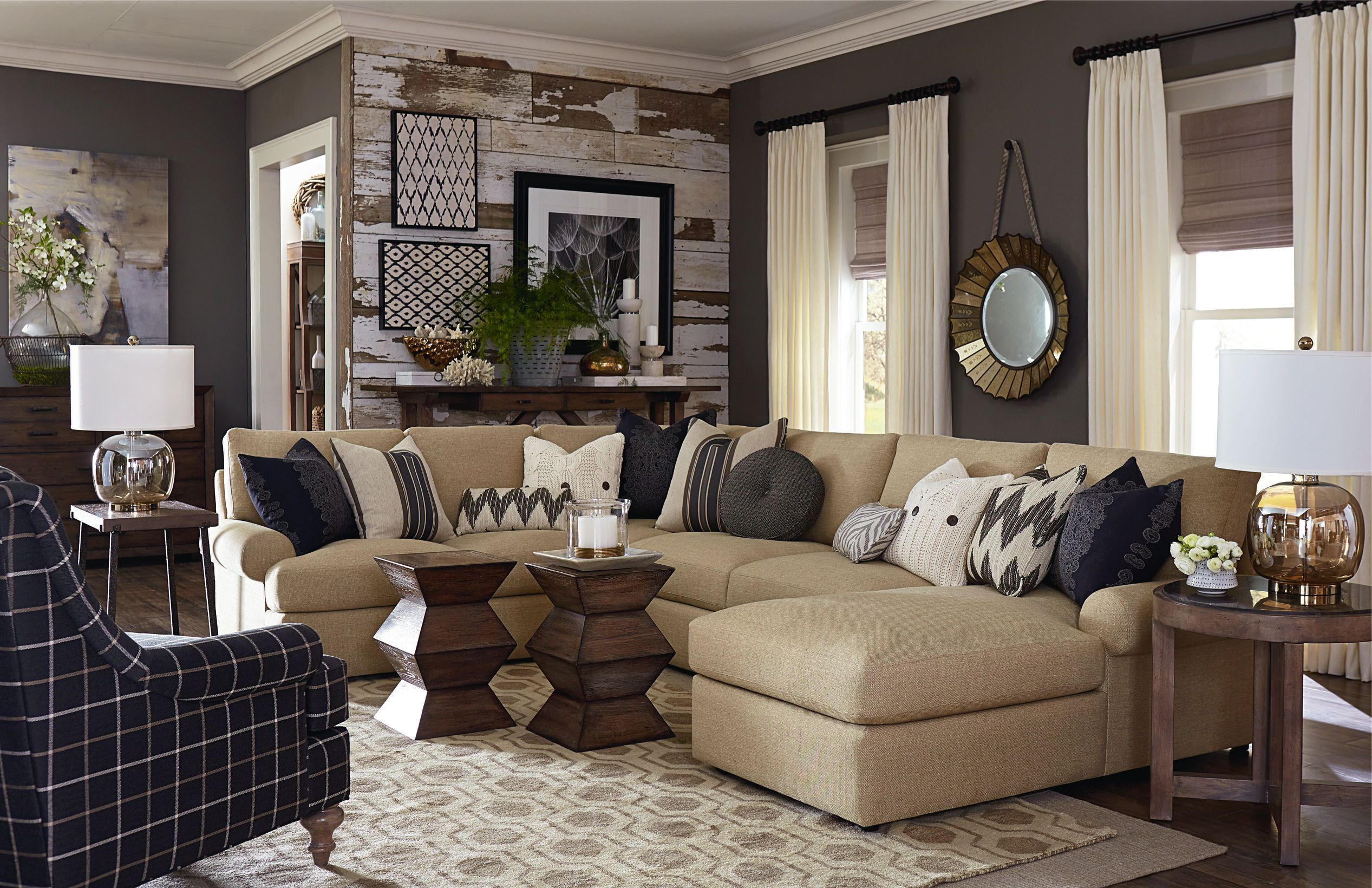 Plaid Woonkamer What Do You Think About This Living Room From Bassett It