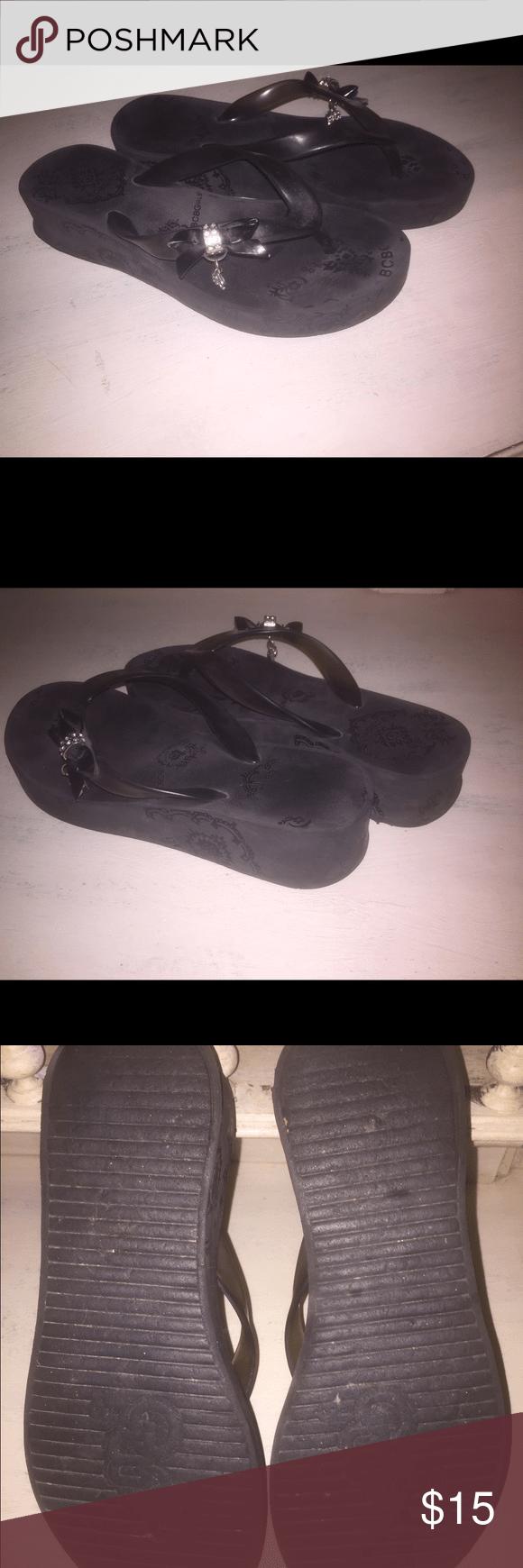 Black women s bcbgirl sandals size 7 these comfortable black sandals are size 7 bcbgirls shoes sandals