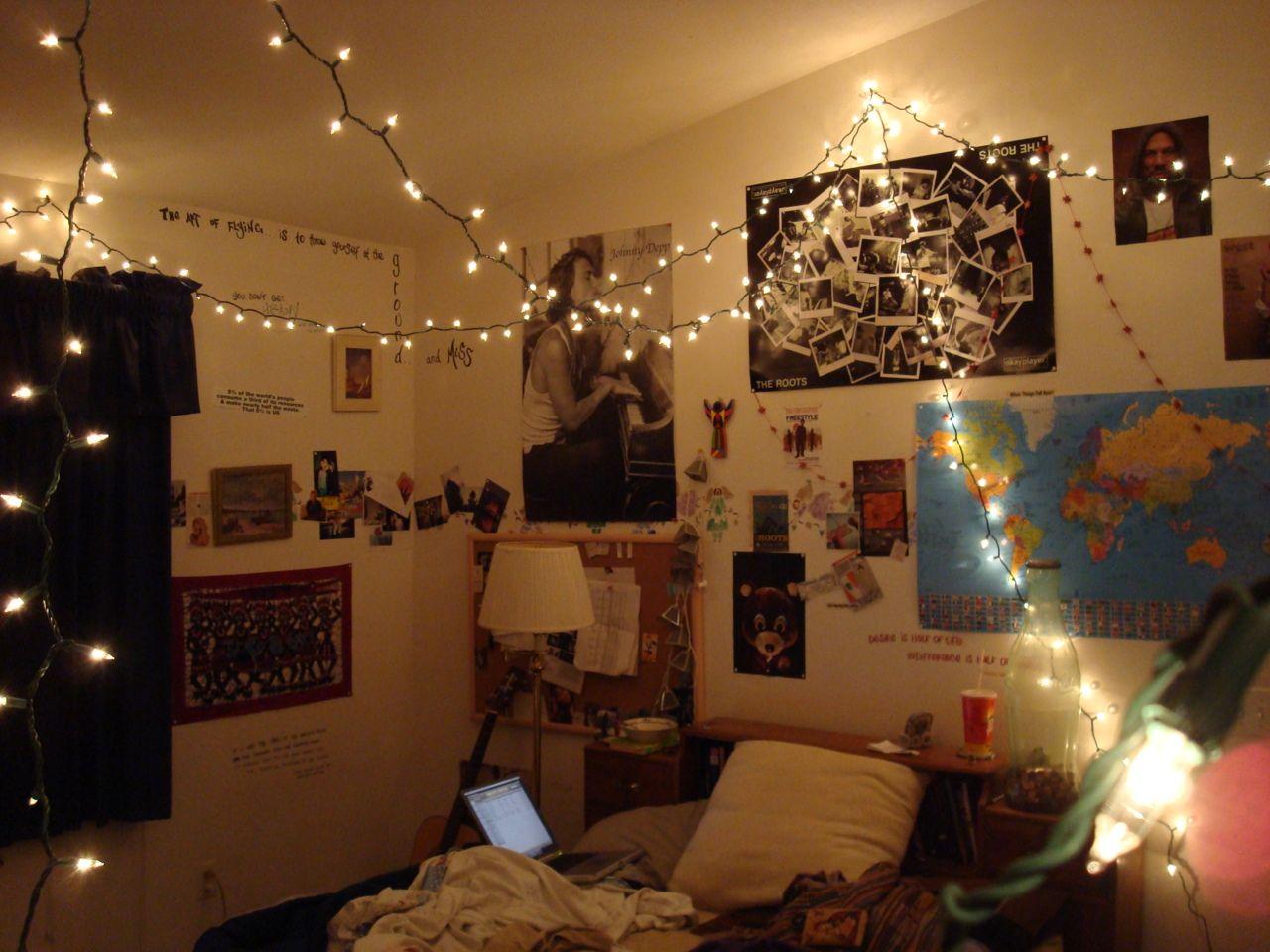 Tumblr bedrooms dirty laundry vintage teenage bedroom
