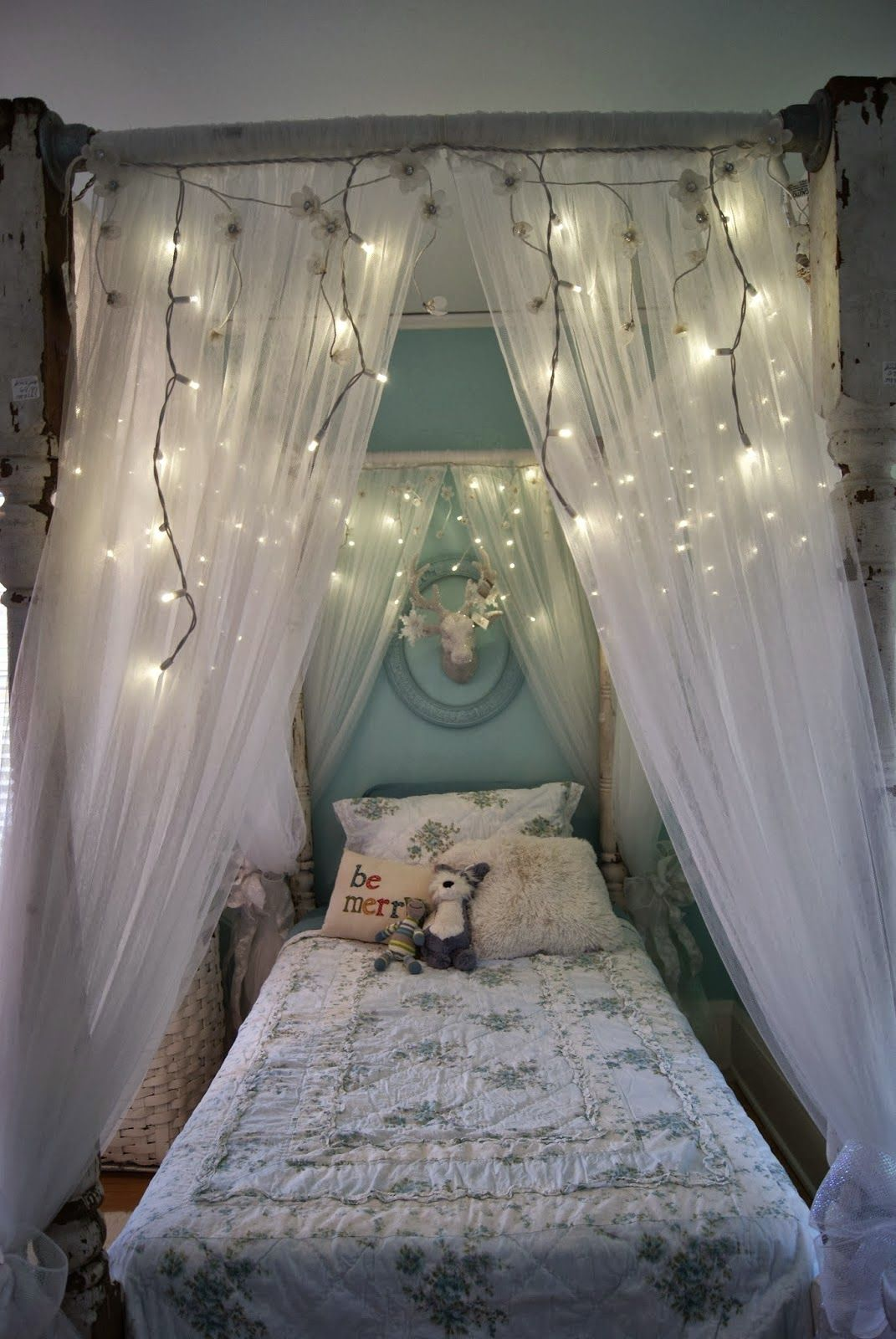 Ideas for diy canopy bed frame and curtains