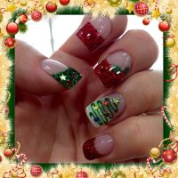 Christmas gel nails with Christmas trees, holly and green ...