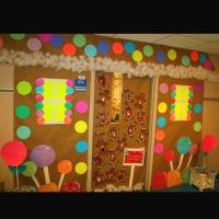 Gingerbread door decoration | Holidays | Pinterest ...