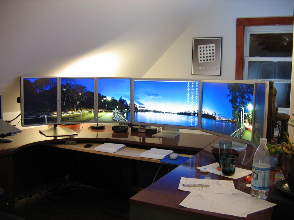 Battle Station Gaming Office House Pinterest Buero 12 Displays 12 Computers And 60 Amps Of Power Multi