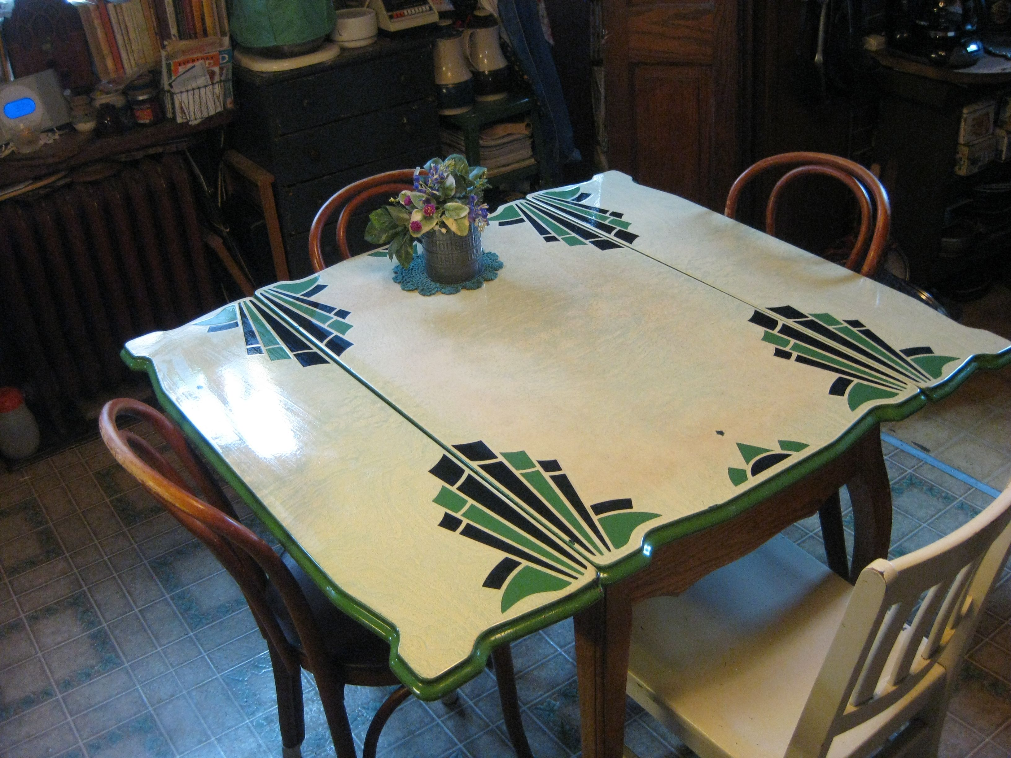 vintage kitchen tables kitchen tables my circa s enamel topped kitchen table bottom legs are curved and in the Queen