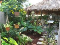 Tiki backyard. Looks amazing! Credit to r/gardening ...