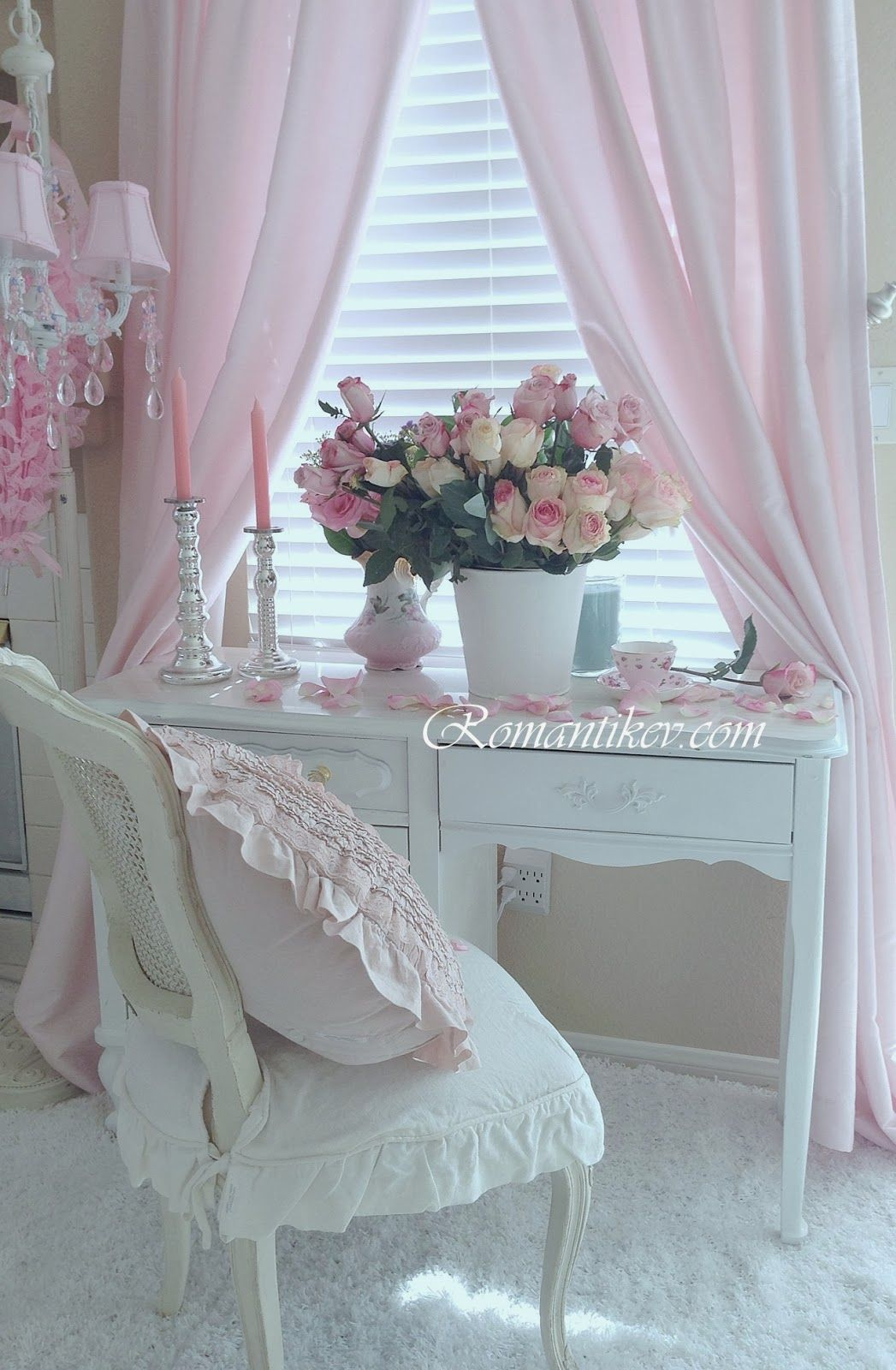 Shabby Chic Look Romantic Shabby Decorating Share A Few Of My Favorite