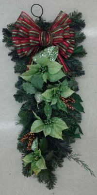 Floral Design, Christmas Red & Green Wall Hanging, 2013