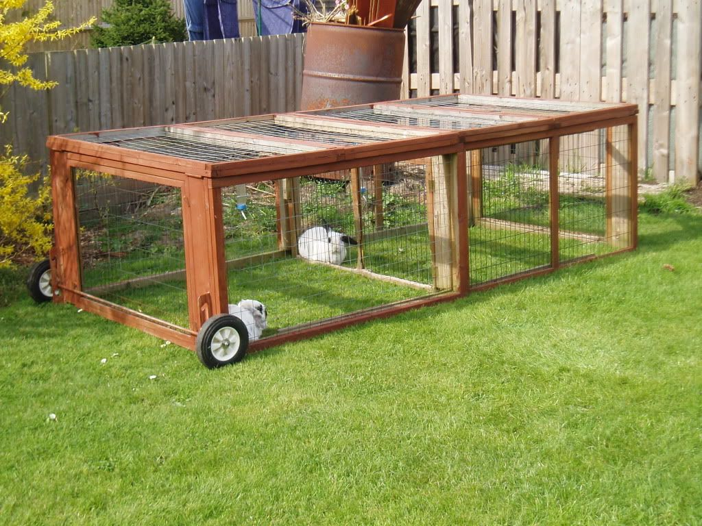 Diy Cage For Rabbit Outdoor Rabbit Hutch With Wheels Stuff I 39d Love To Build