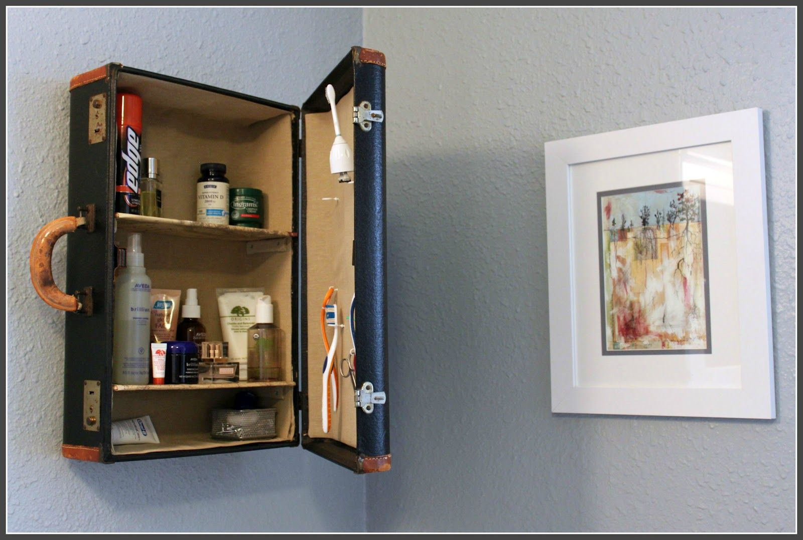 Vintage Decorative Suitcases Turn Old Suitcases Into Wall Shelving Oldsuitcases