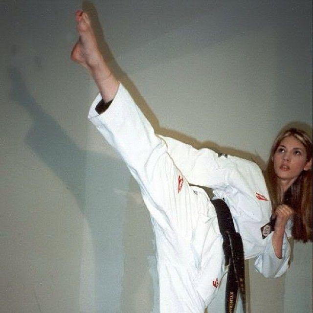 Girl In Action Wallpaper Katheryn Winnick 3rd Dan Taekwondo And 2nd Dan Karate
