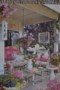 Shabby chic garden porch | Mini farm/homestead | Pinterest ...