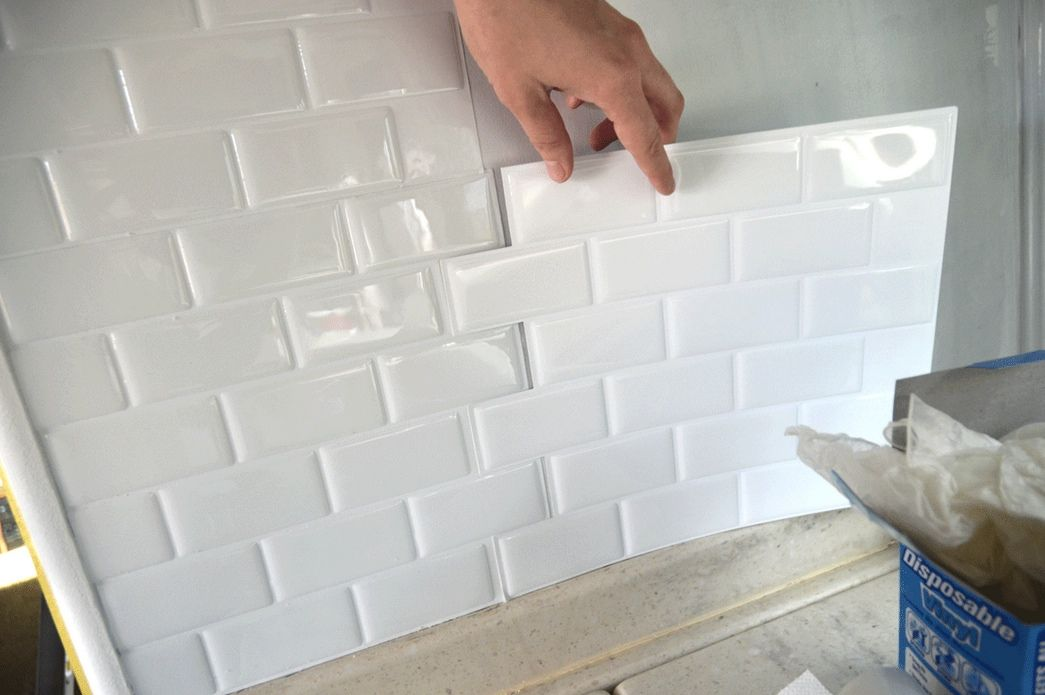 How To Stick Bathroom Wall Panels Peel And Stick Tiles To Use In A Kitchen Or Bathroom In A