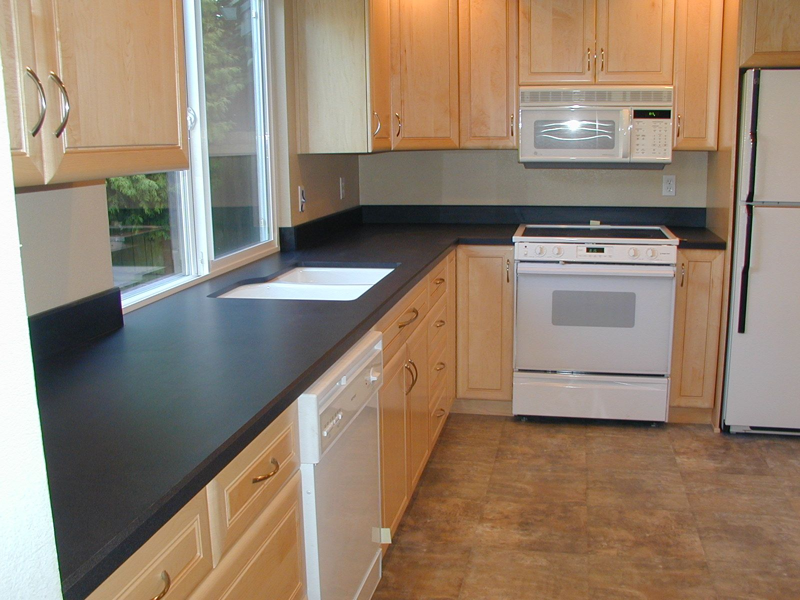 How Much Does It Cost To Install Laminate Countertops Kitchen Ideas With Dark Countertops Countertop Design
