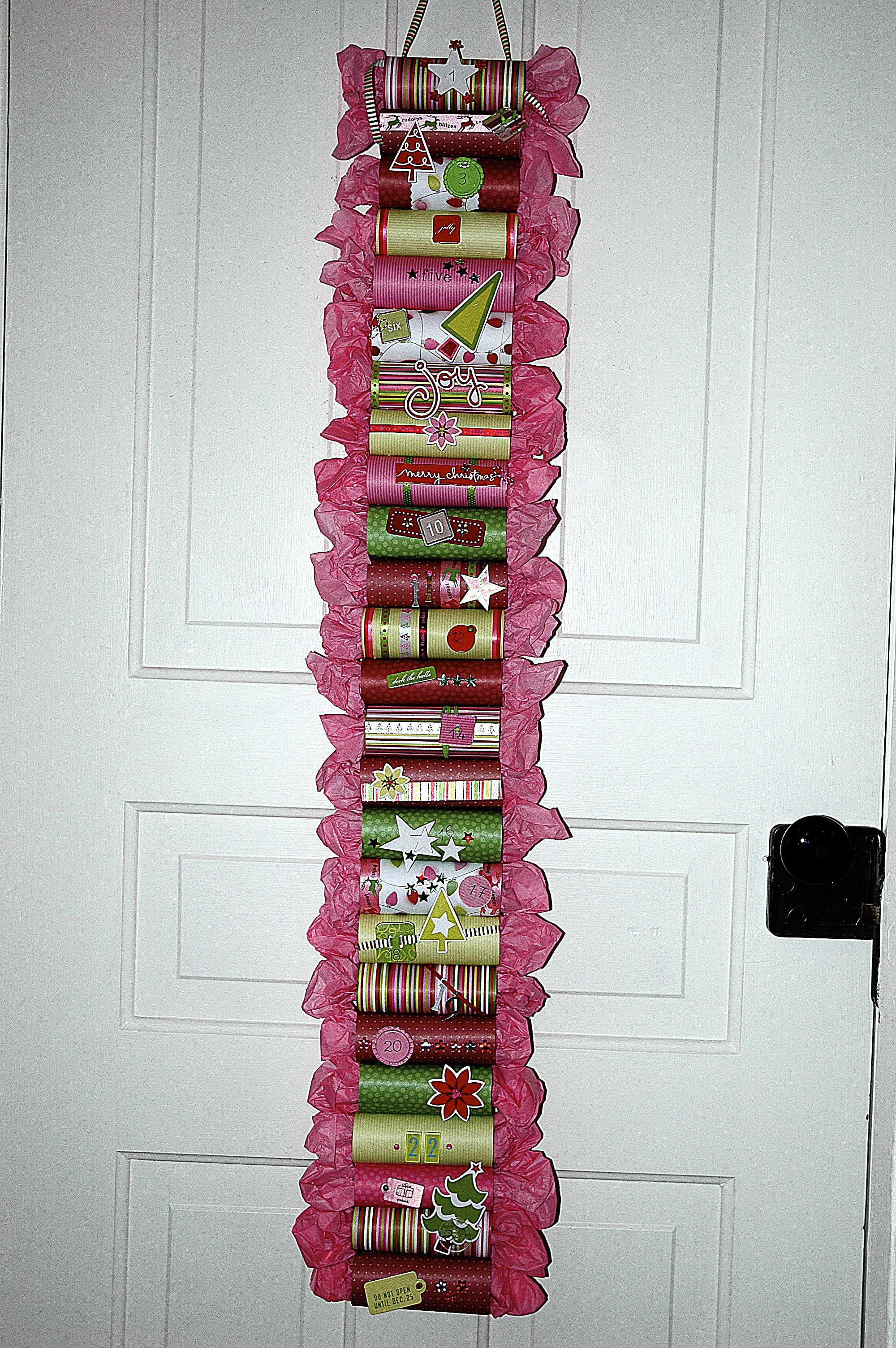 Adventskalender Aus Toilettenrollen Check Out This Advent Calendar Made From Empty Toilet